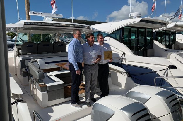 Tiara Yacht vince l'Innovation Award